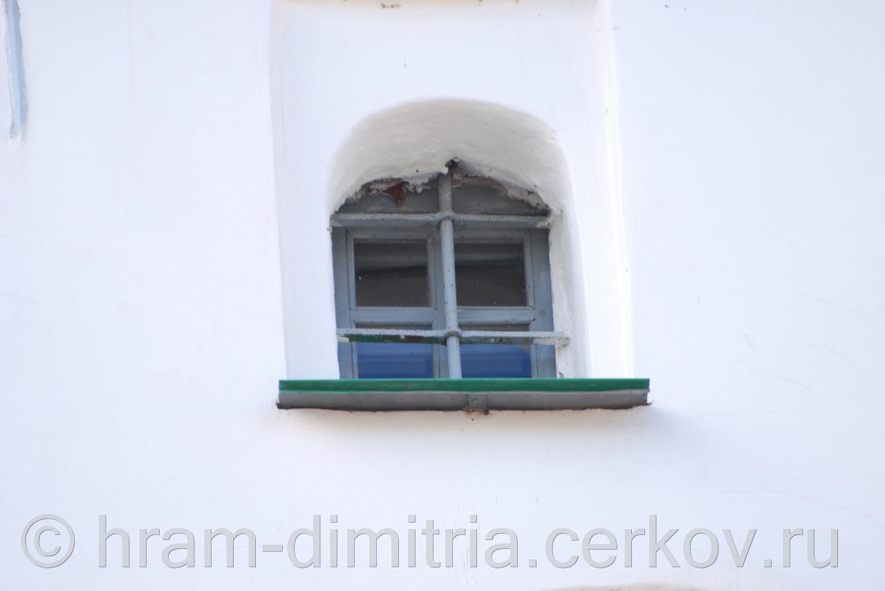 Фрагмент стены с окном